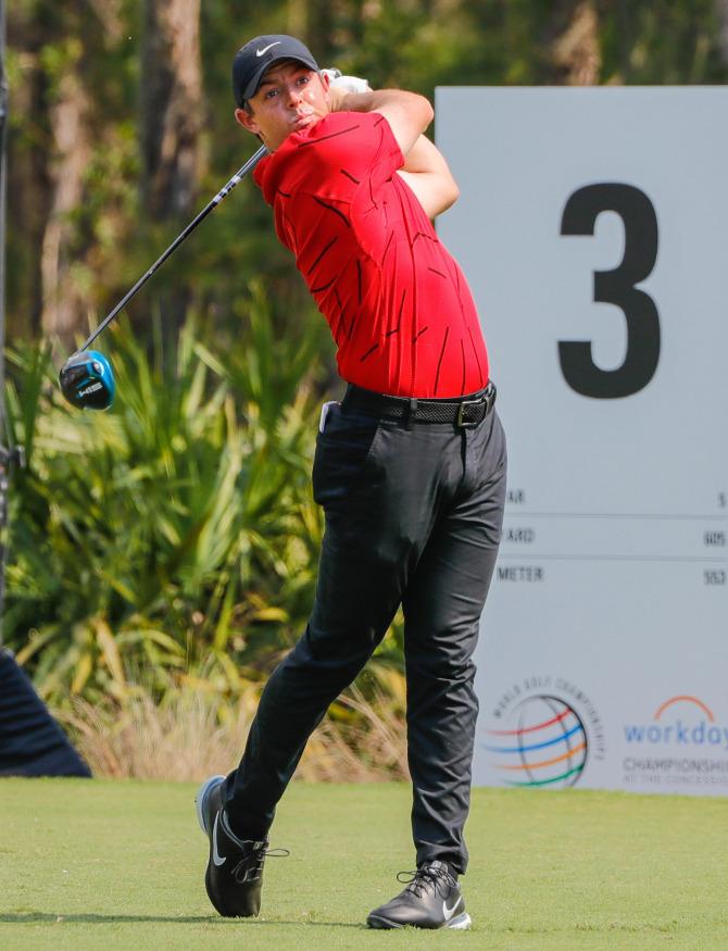 Nữ golfer quyến rũ nhất thế giới bảo vệ đồng nghiệp bị ném đá vì không mặc áo ủng hộ huyền thoại Tiger Woods - ảnh 4