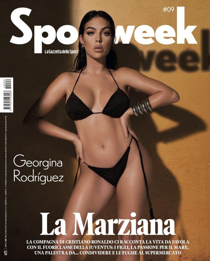 Bạn gái Ronaldo đốt nóng mạng xã hội bằng shoot hình với bikini thu hút cả triệu lượt thả tim - Ảnh 1.
