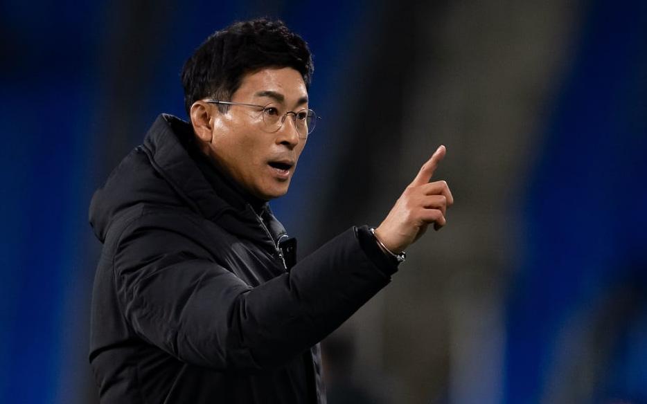 Hà Nội FC mời HLV Hàn Quốc, từng vô địch AFC Champions League về dẫn dắt?