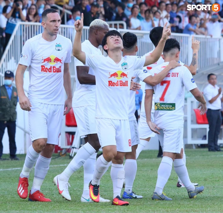 Công Phượng, Minh Vương rủ nhau lập siêu phẩm dập tắt Nam Định FC - ảnh 4