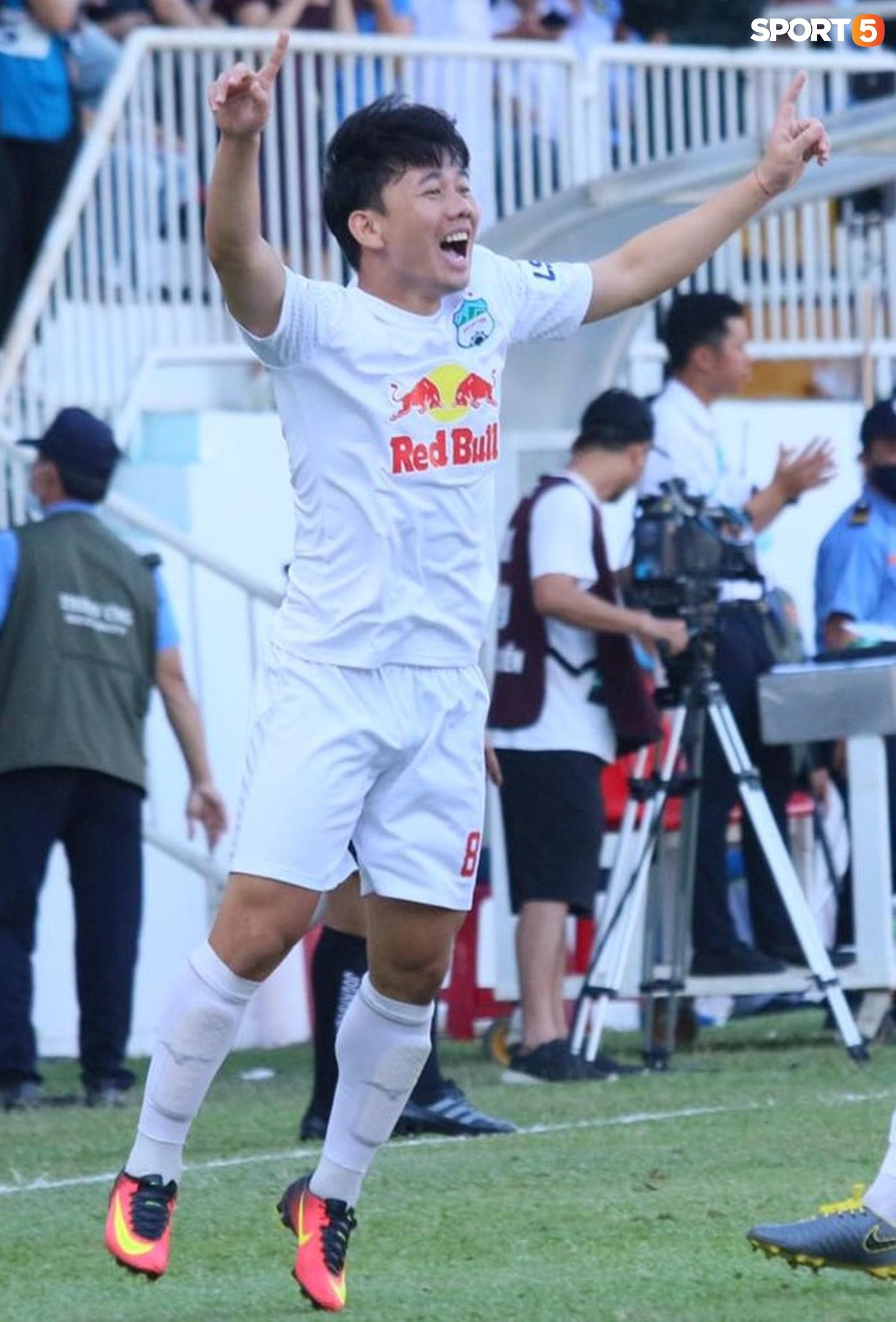 Công Phượng, Minh Vương rủ nhau lập siêu phẩm dập tắt Nam Định FC - ảnh 6