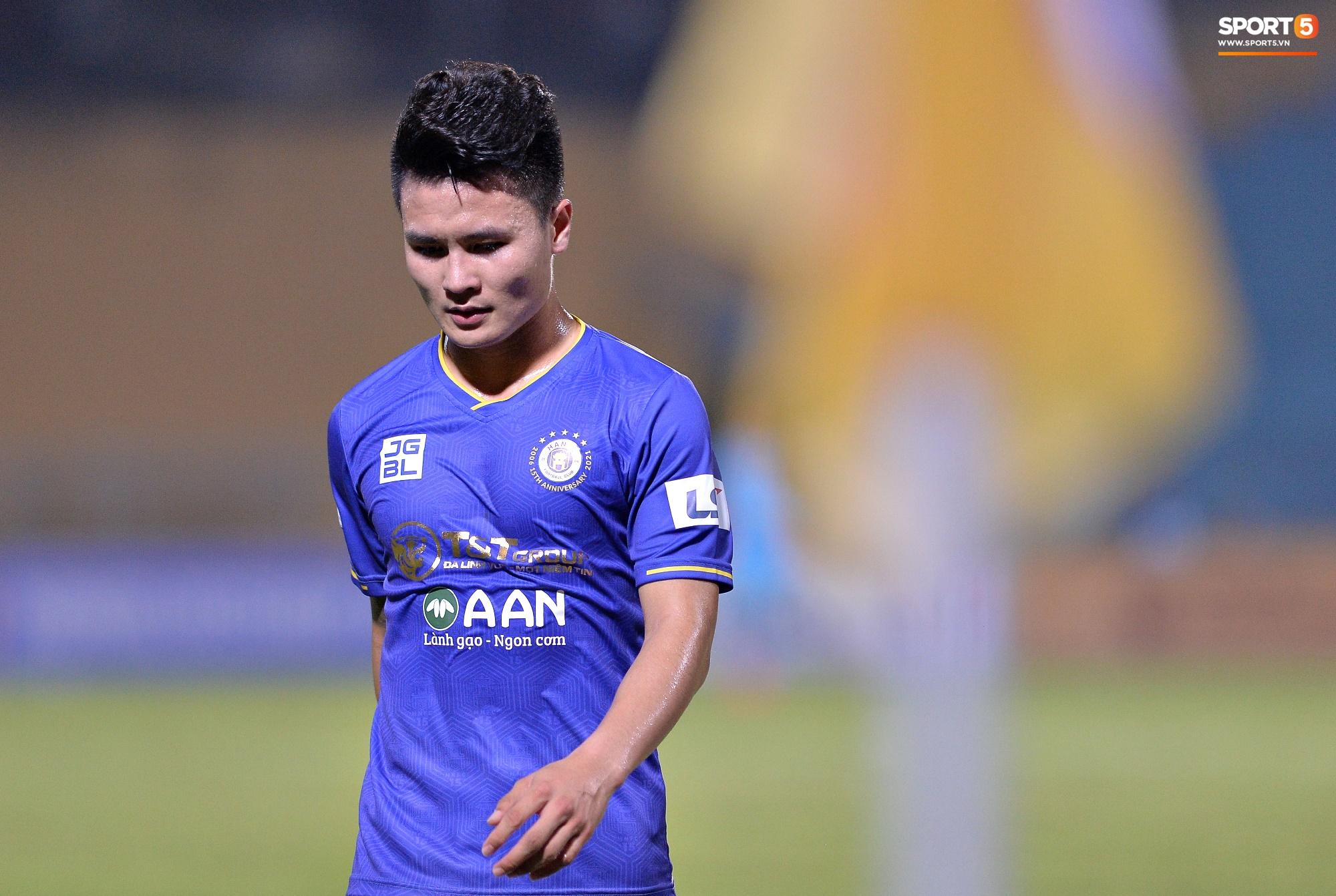 V.League đột biến sau vòng 10: Nam Định âm thầm đua vô địch, Hà Nội FC đã biết hoảng - Ảnh 3.