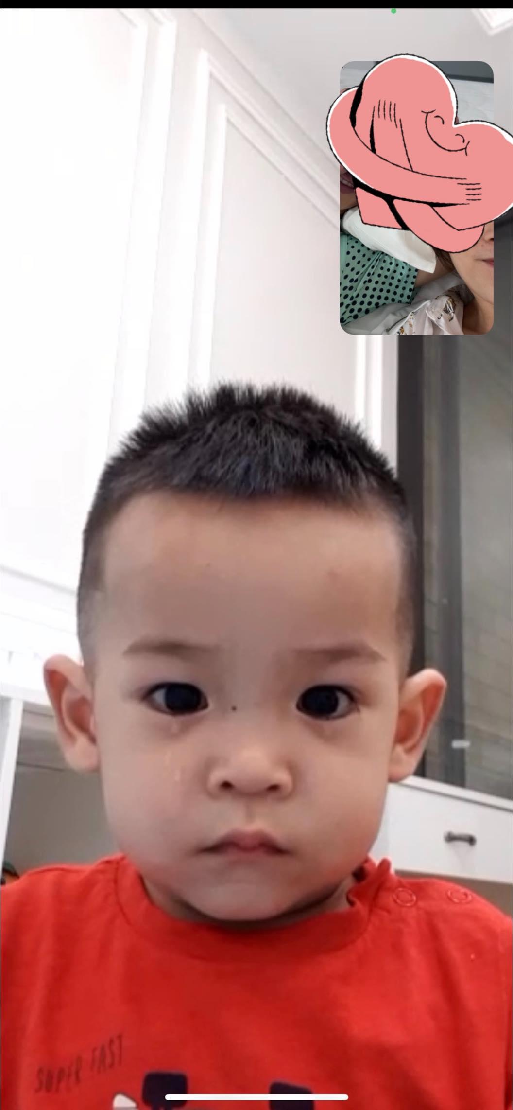 Con trai Hùng Dũng nước mắt lã chã khi mẹ đưa bố vào Sài Gòn điều trị chấn thương - ảnh 2