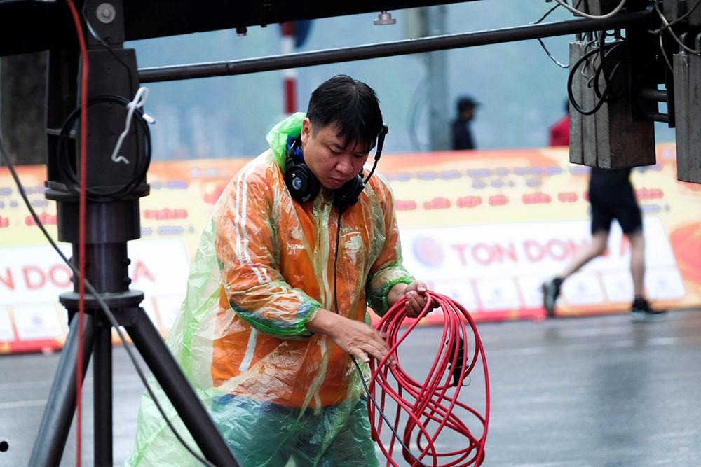 Những hình ảnh tác nghiệp ấn tượng trên tuyến đường dài 2.450km tại Cúp Truyền hình TP. Hồ Chí Minh - ảnh 1