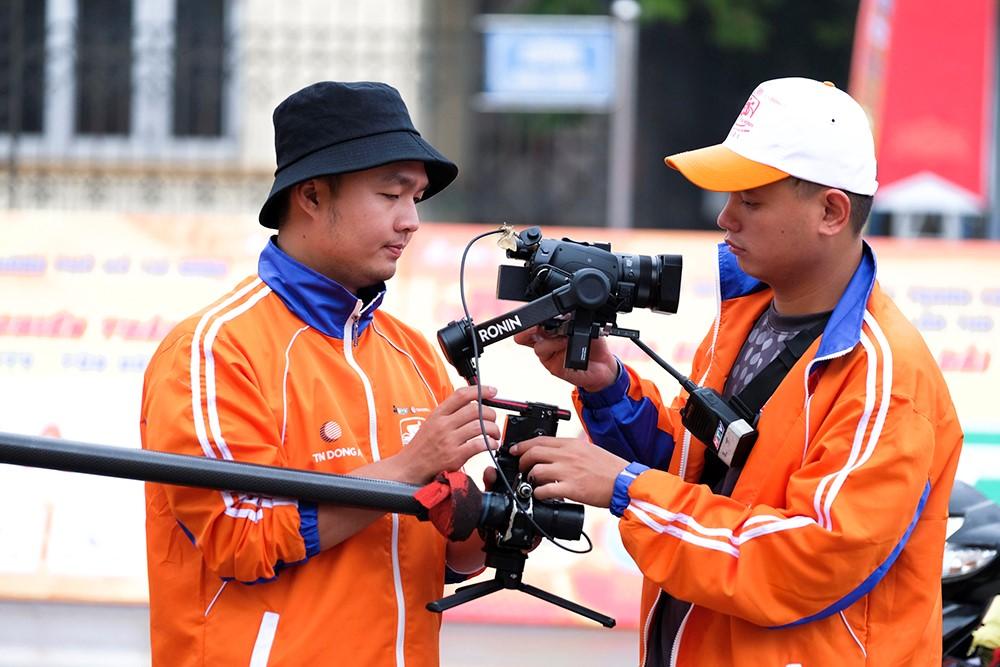 Những hình ảnh tác nghiệp ấn tượng trên tuyến đường dài 2.450km tại Cúp Truyền hình TP. Hồ Chí Minh - ảnh 4