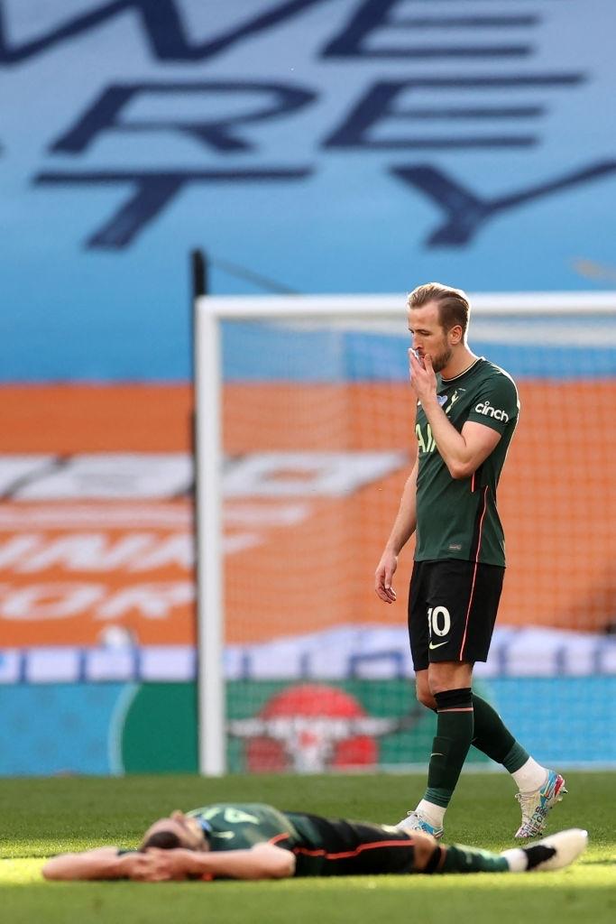 Son Heung-min khóc nức nở sau thất bại ở chung kết Cúp Liên đoàn Anh - Ảnh 8.