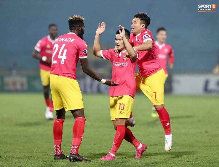 Lo ngại dịch Covid-19, sân Hà Tĩnh ngưng đón khán giả từ vòng 11 V.League  - Ảnh 1.