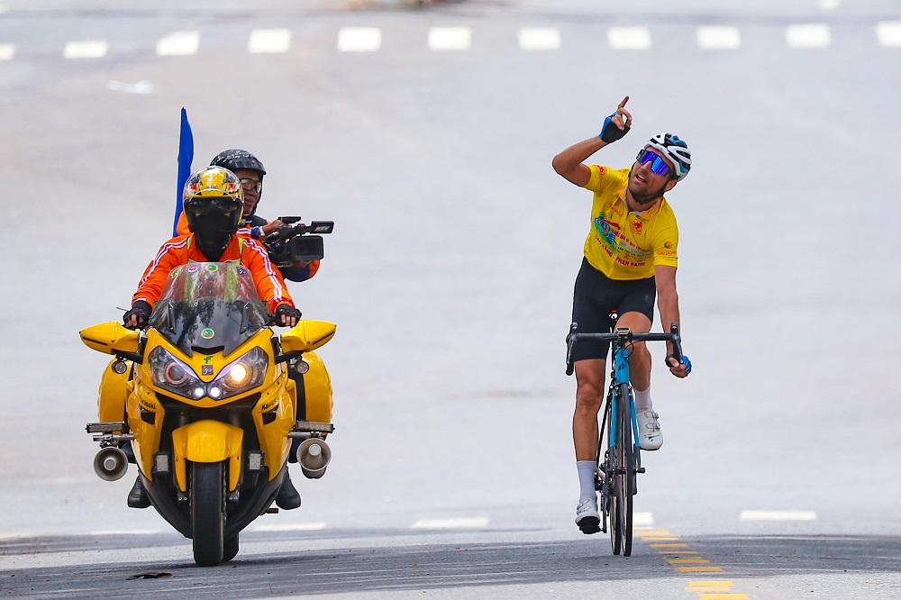 Loic Desriac giành chiến thắng trong sự ngả mũ thán phục - Ảnh 3.