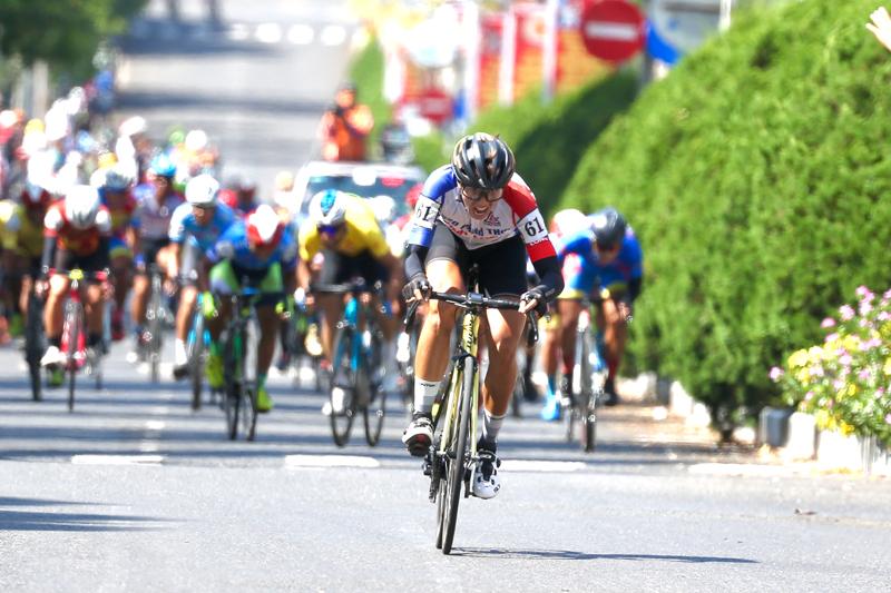 Nguyễn Minh Thiện giúp đua xe đạp Vĩnh Long lần đầu thắng chặng - ảnh 1