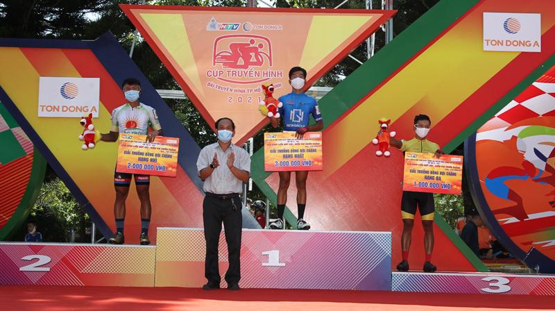 Nguyễn Minh Thiện giúp đua xe đạp Vĩnh Long lần đầu thắng chặng - ảnh 12
