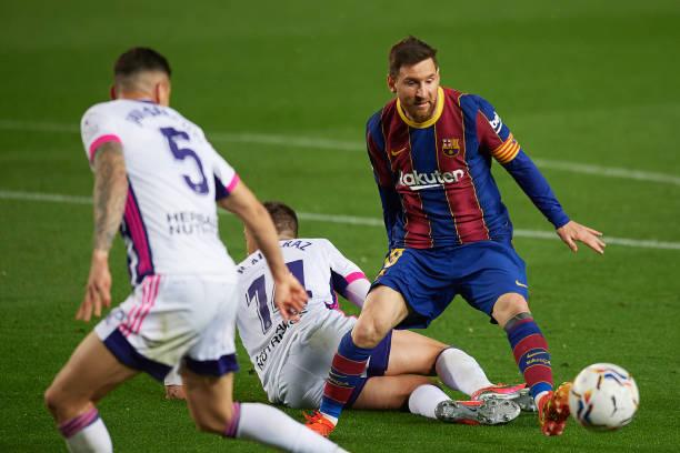 """""""Chân gỗ"""" Dembele tỏa sáng ở phút 90, Barcelona nhọc nhằn đánh bại Valladolid với tỷ số tối thiểu - Ảnh 6."""