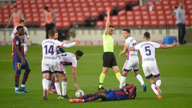 """""""Chân gỗ"""" Dembele tỏa sáng ở phút 90, Barcelona nhọc nhằn đánh bại Valladolid với tỷ số tối thiểu - Ảnh 7."""