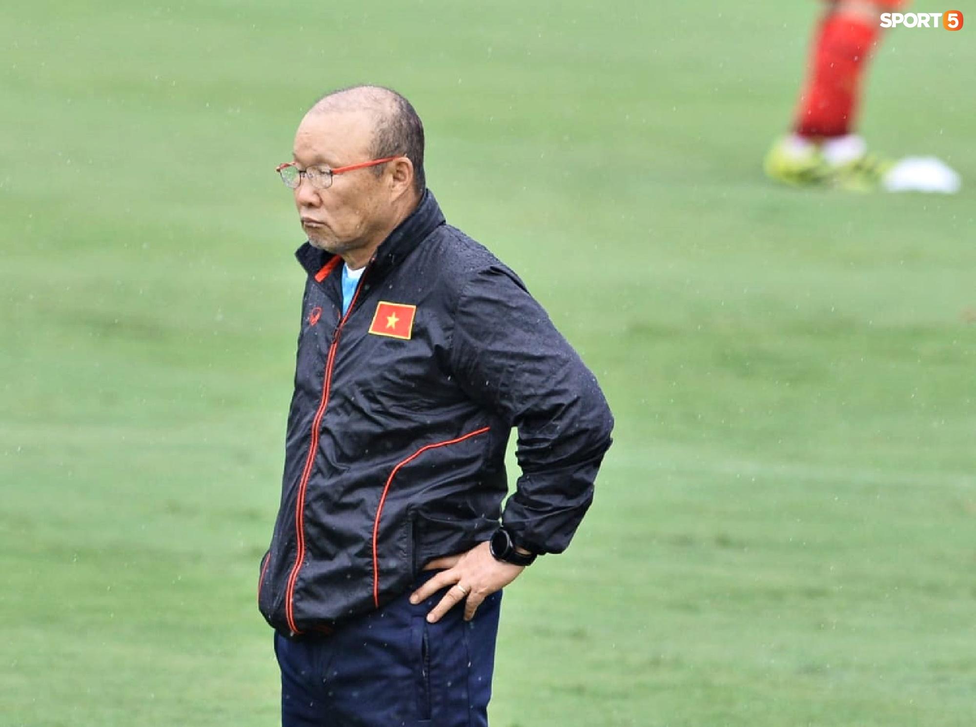 Chuyên gia 9x của CLB Hà Nội bất ngờ thị sát đội tuyển Việt Nam tập luyện - Ảnh 6.