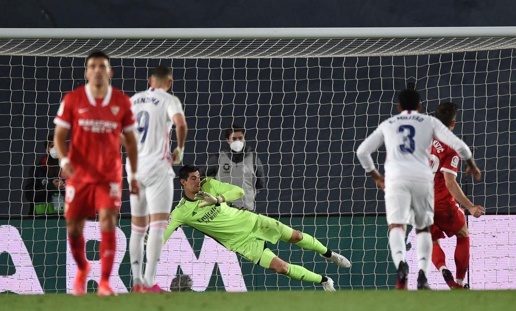 Hút chết trên sân nhà, Real Madrid bỏ lỡ cơ hội đánh chiếm ngôi đầu bảng - ảnh 7