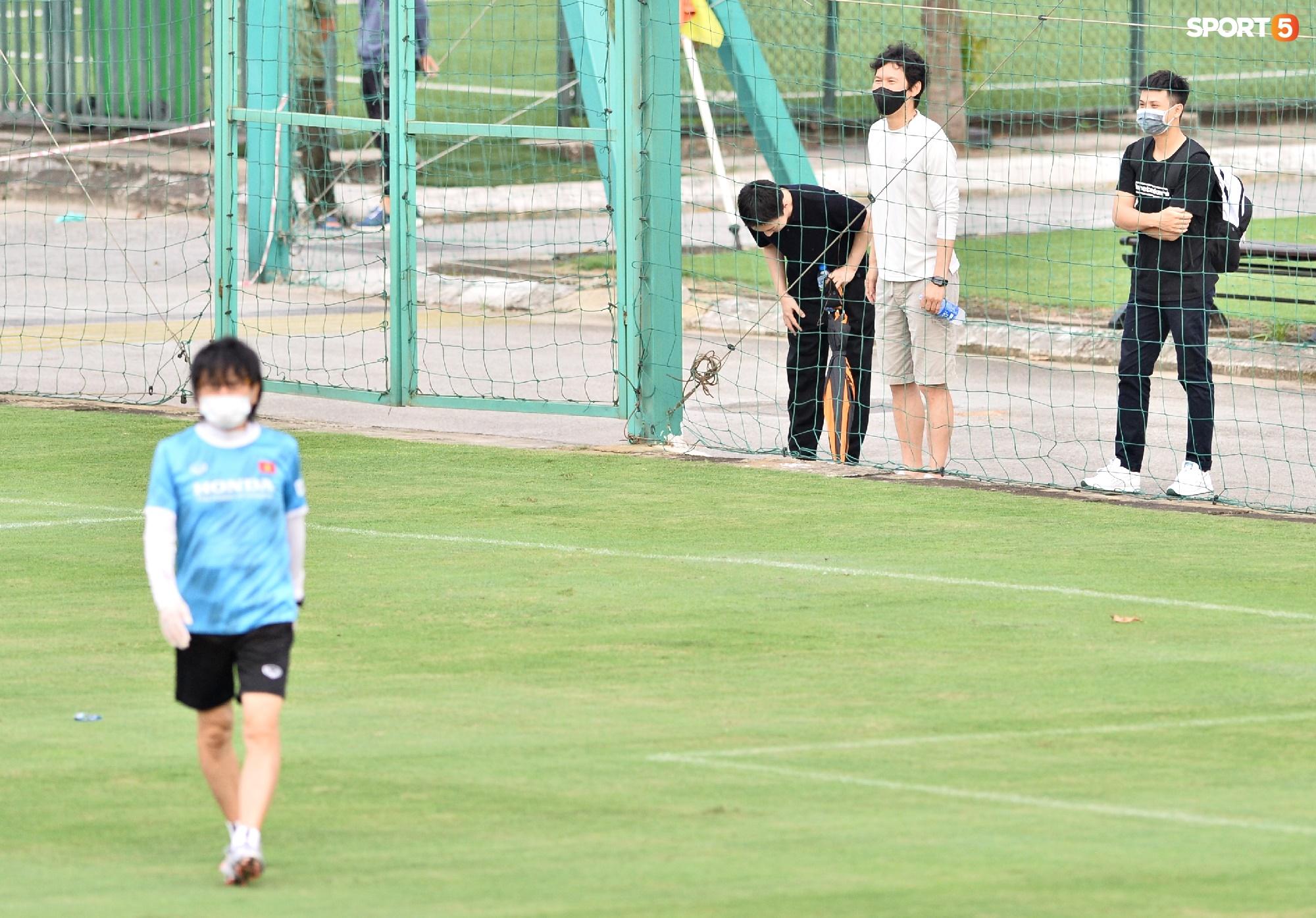 Chuyên gia 9x của CLB Hà Nội bất ngờ thị sát đội tuyển Việt Nam tập luyện - Ảnh 3.