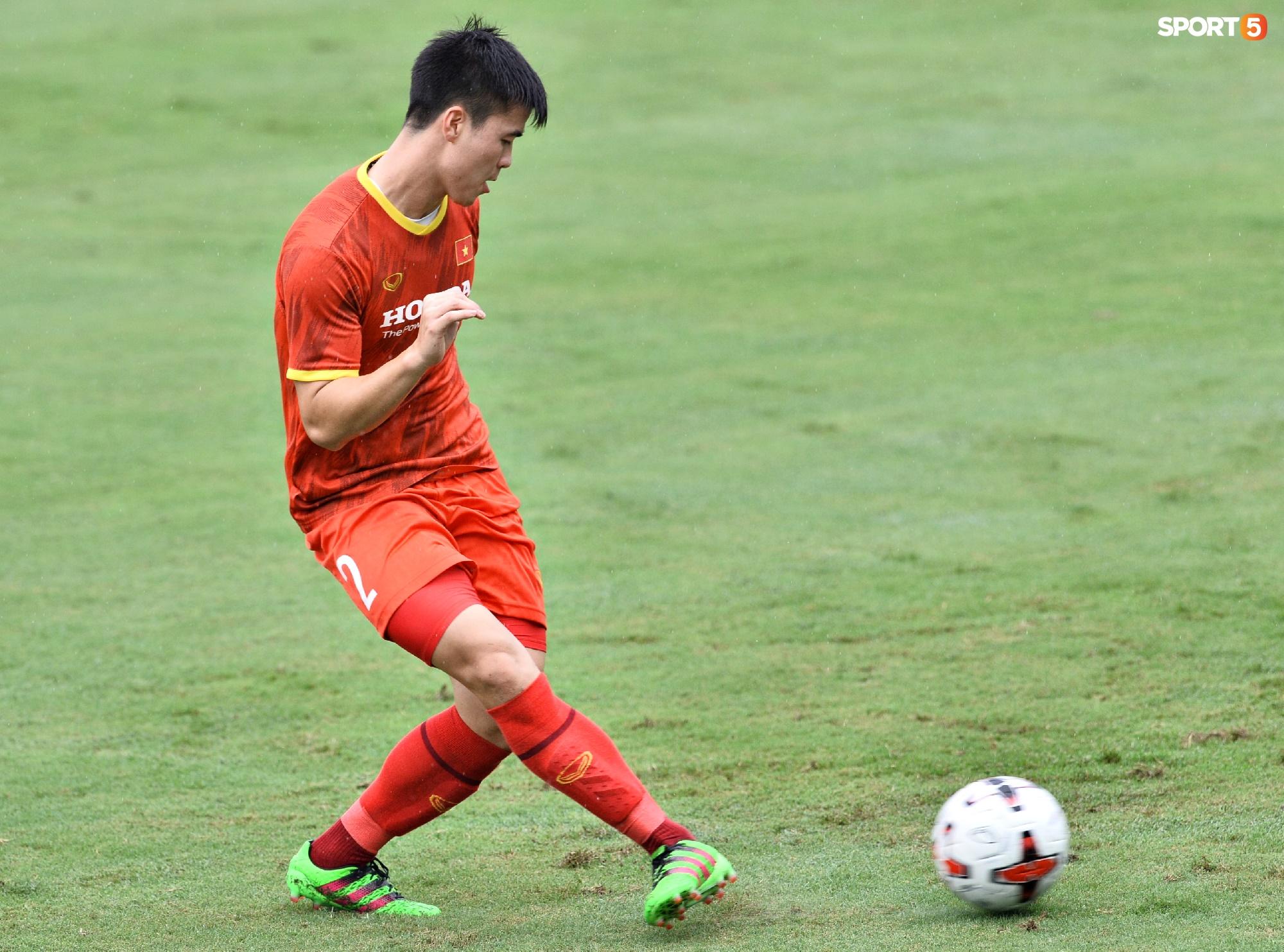 Chuyên gia 9x của CLB Hà Nội bất ngờ thị sát đội tuyển Việt Nam tập luyện - Ảnh 8.
