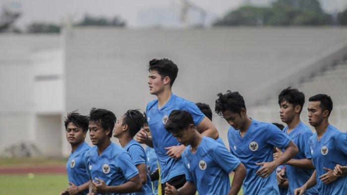 Trung vệ 2K điển trai của tuyển Indonesia: Cao gần 2m, từng được MU theo dõi, Thái Lan cũng thèm muốn - Ảnh 3.