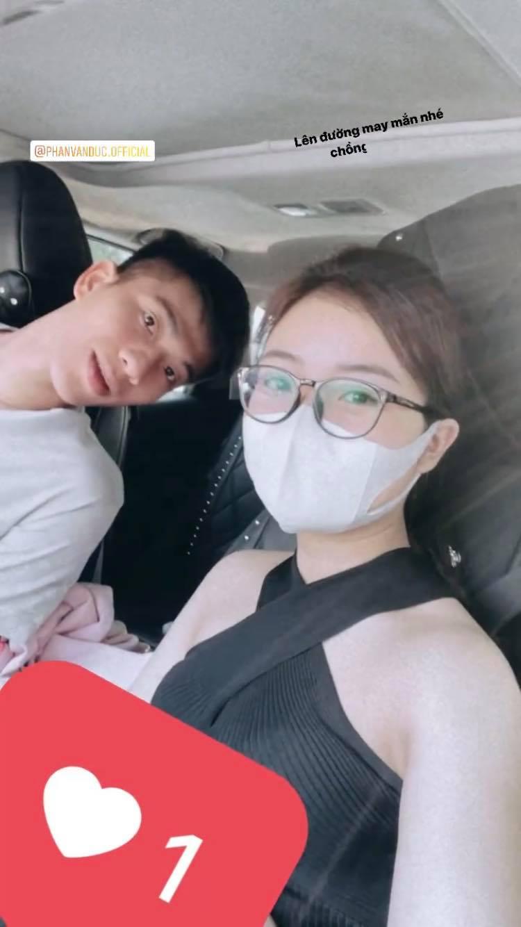 Văn Đức, Xuân Mạnh được vợ tiễn đi Hà Nội hội quân cùng đội tuyển Việt Nam - ảnh 2