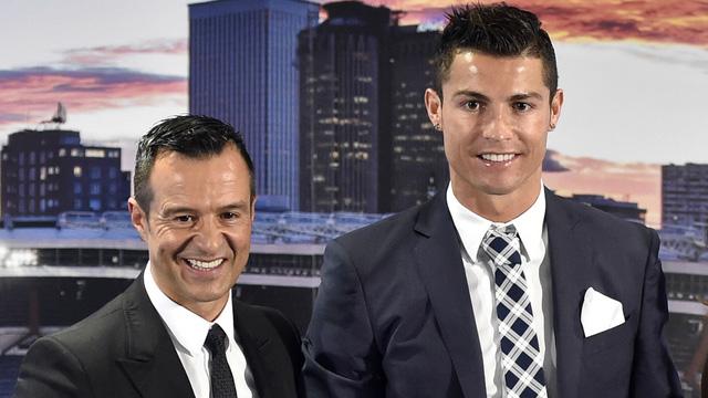 Ronaldo lộ động thái ra đi khi chuyển hết siêu xe rời Turin - Ảnh 3.