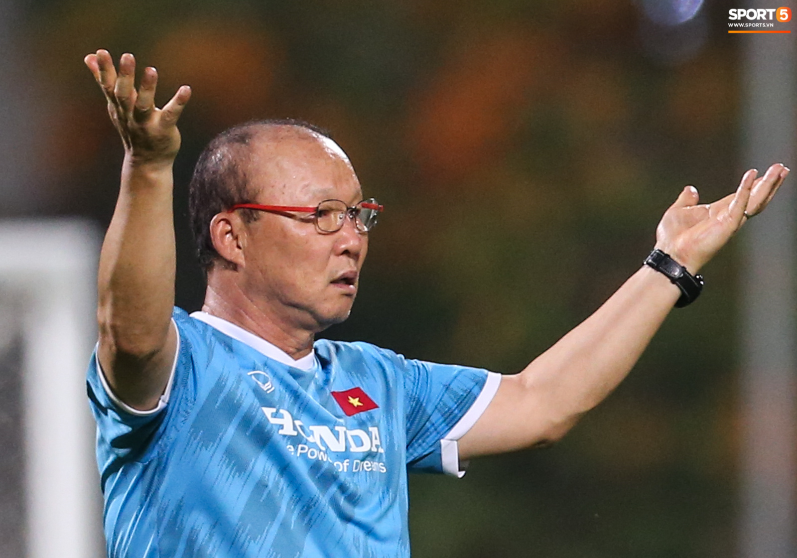 Thủ môn Văn Hoàng xử lý lỗi, HLV Park Hang-seo phản ứng mạnh - Ảnh 8.