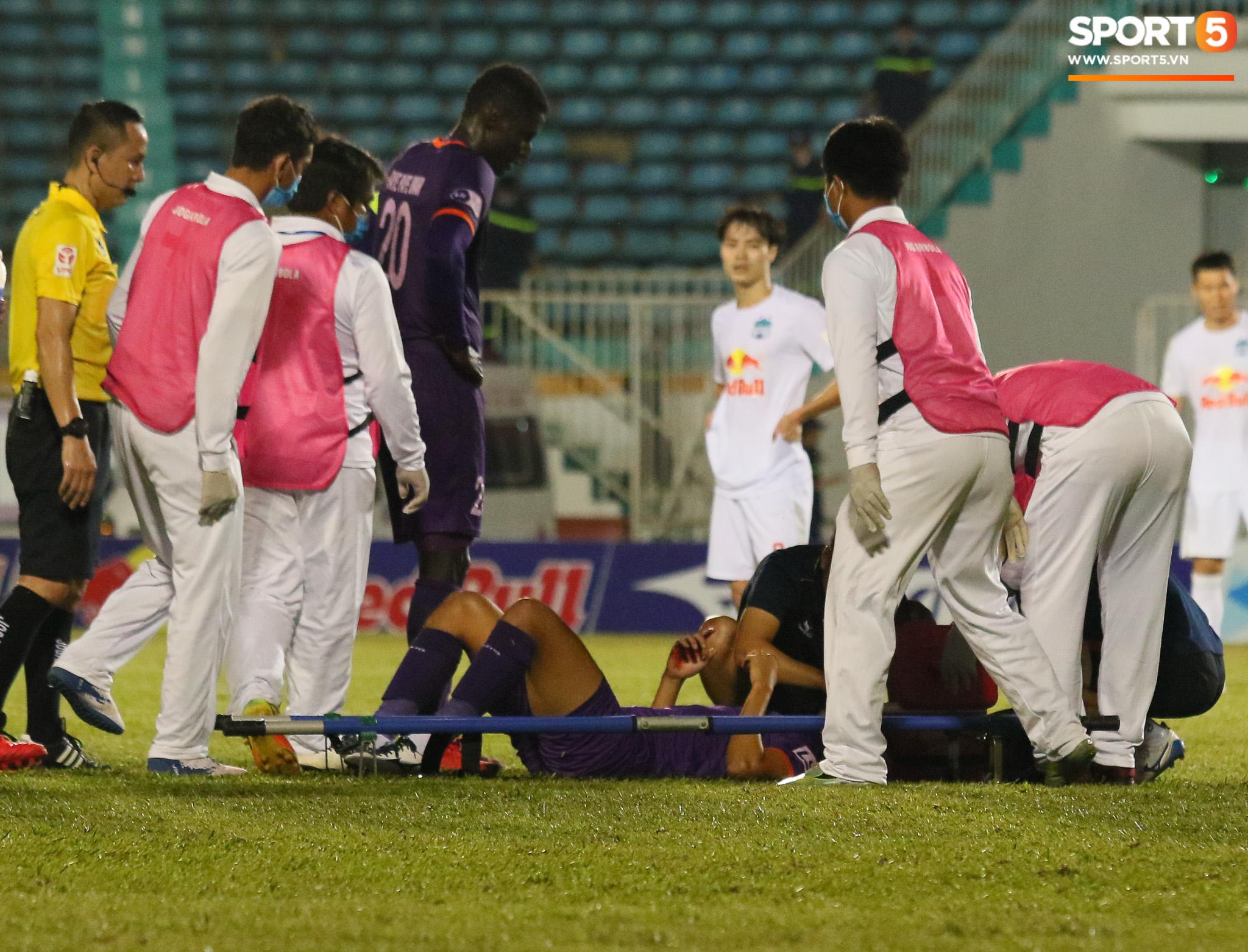 Cầu thủ Bình Dương chảy máu vẫn tiếp tục thi đấu, CLB HAGL bị tố chơi không fair-play - ảnh 3