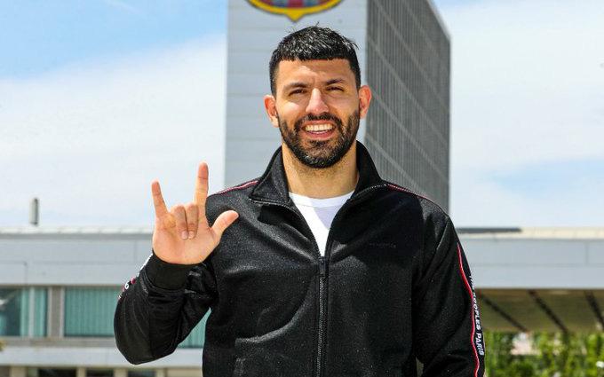 Nóng: Aguero ra mắt Barcelona