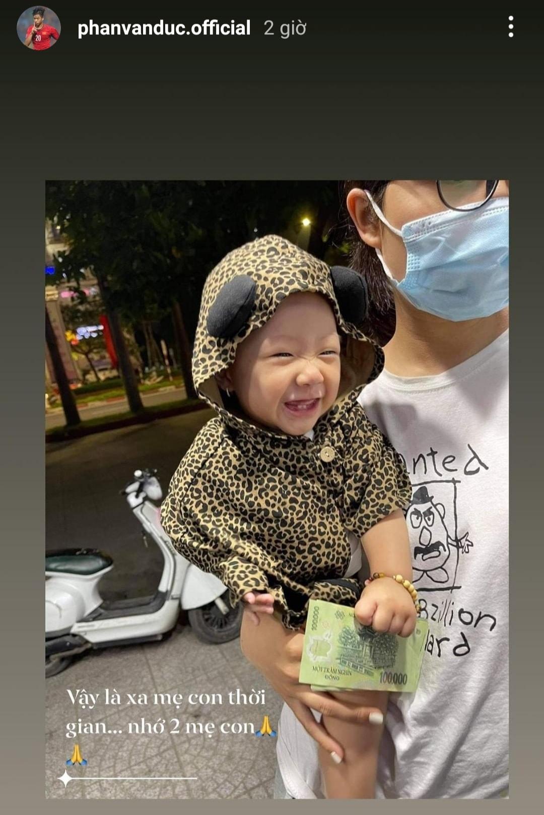 Phan Văn Đức tâm trạng khi phải xa gia đình, Xuân Mạnh bị dằn mặt vì đăng status: Cách ly vợ nửa tháng có vẻ vui - Ảnh 1.