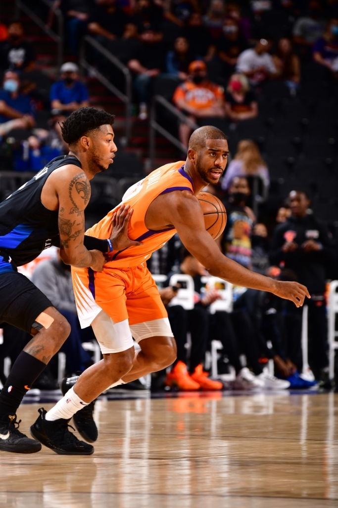 """Đánh mất khái niệm """"turn over"""", Chris Paul dẫn dắt Phoenix Suns tới thắng lợi - Ảnh 3."""