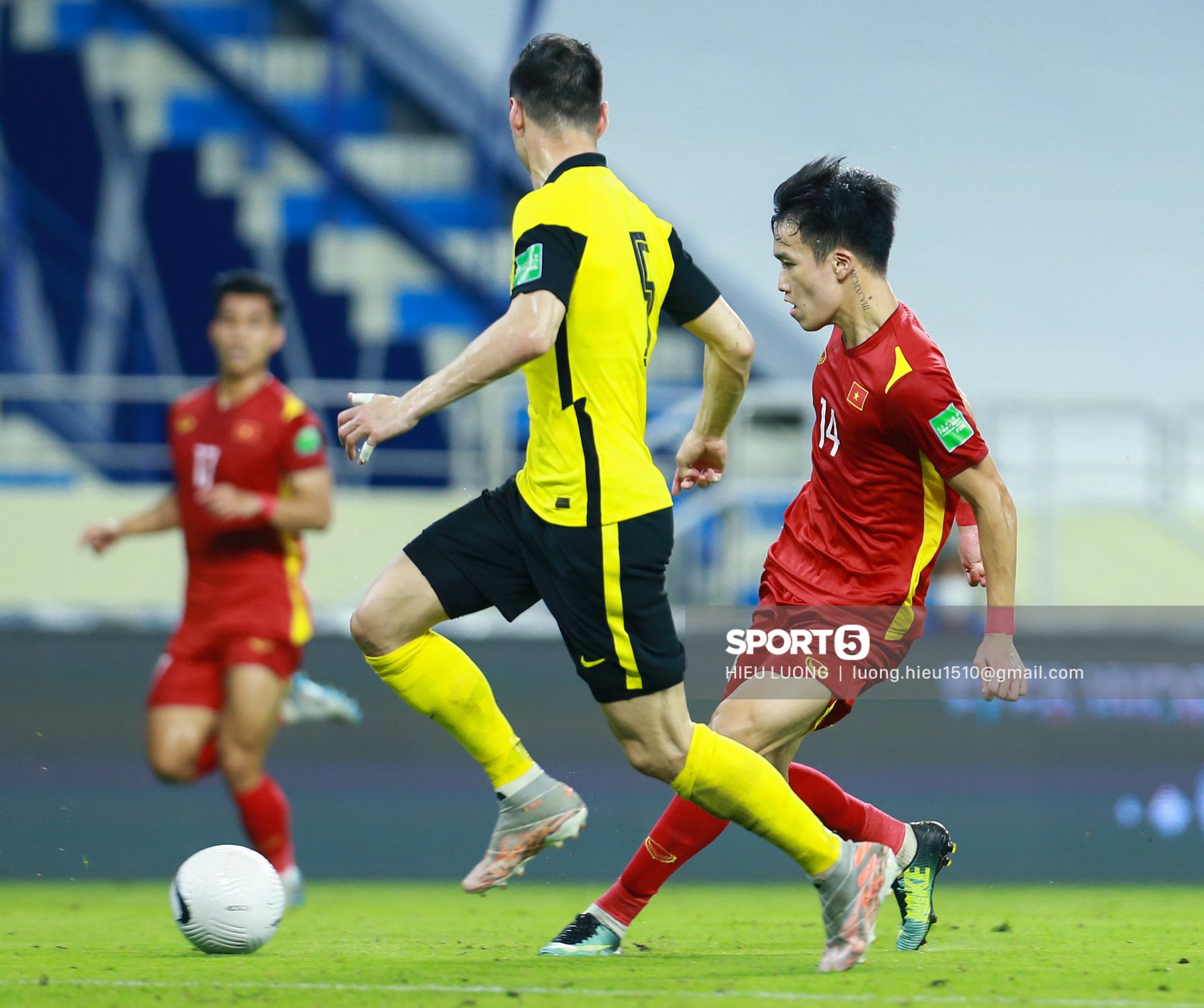 Hoàng Đức chơi hay bất ngờ, thay thế hoàn hảo cho Tuấn Anh ở tuyển Việt Nam - Ảnh 6.