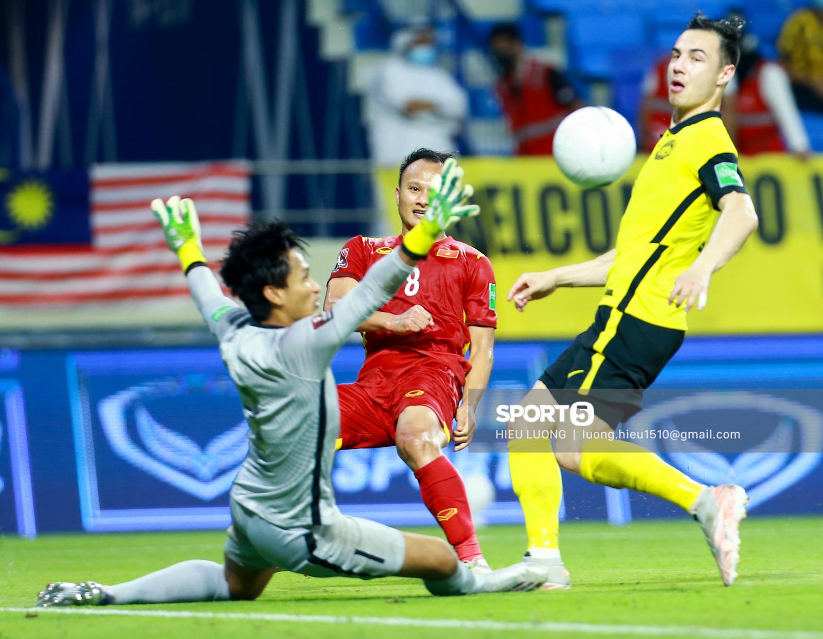Hoàng Đức chơi hay bất ngờ, thay thế hoàn hảo cho Tuấn Anh ở tuyển Việt Nam - Ảnh 7.