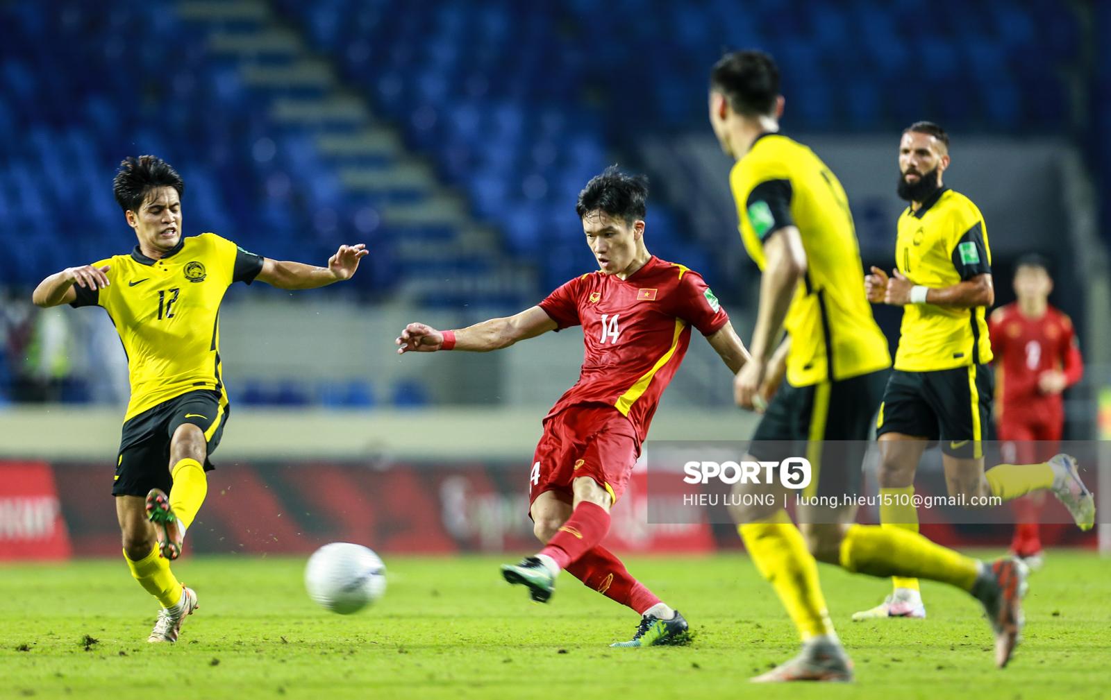 Hoàng Đức chơi hay bất ngờ, thay thế hoàn hảo cho Tuấn Anh ở tuyển Việt Nam - Ảnh 4.