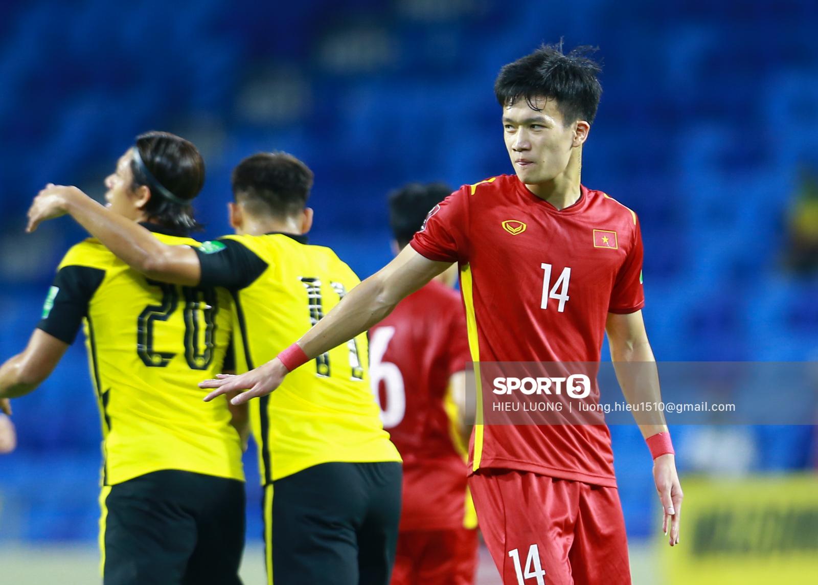Hoàng Đức chơi hay bất ngờ, thay thế hoàn hảo cho Tuấn Anh ở tuyển Việt Nam - Ảnh 1.