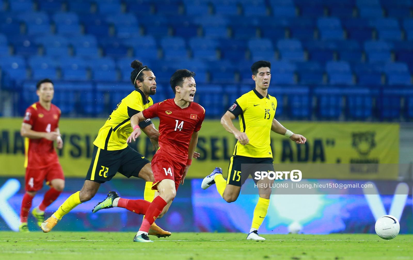 Hoàng Đức chơi hay bất ngờ, thay thế hoàn hảo cho Tuấn Anh ở tuyển Việt Nam - Ảnh 2.