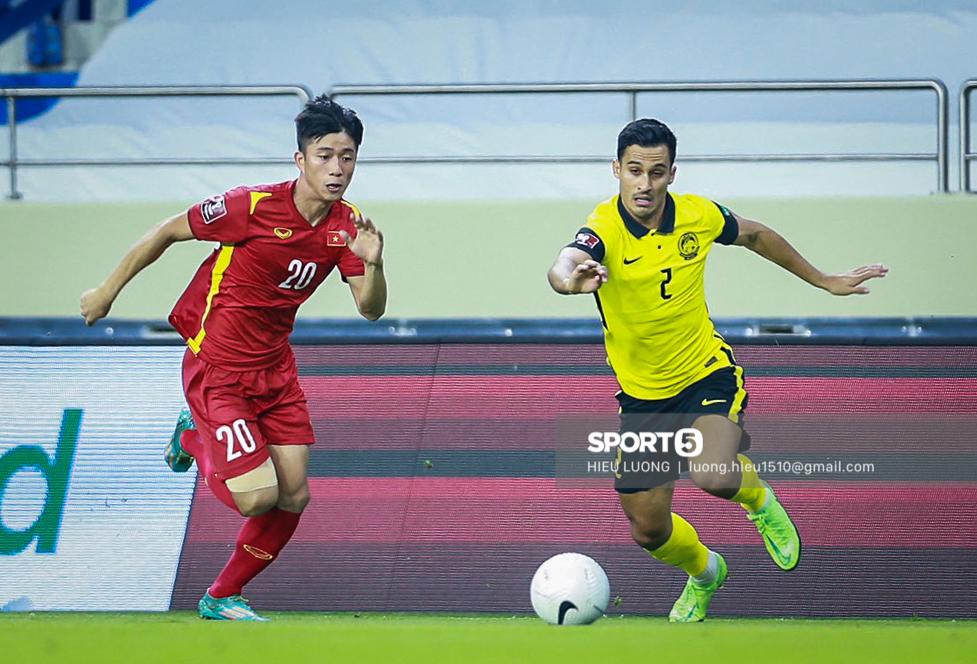 Chùm ảnh tuyển Việt Nam hân hoan với niềm vui chiến thắng Malaysia - ảnh 12