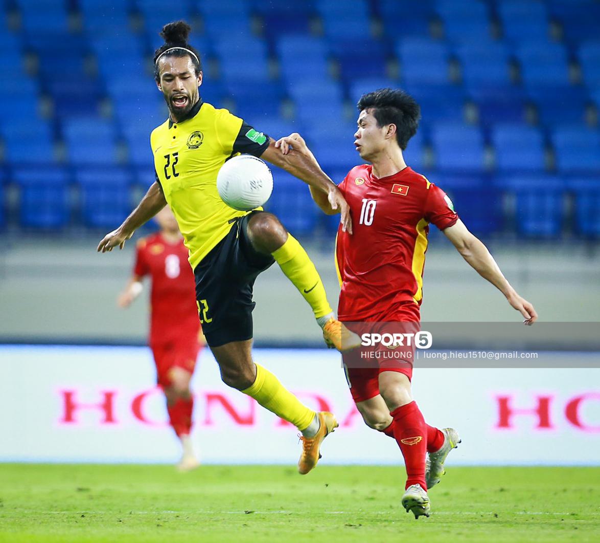 Chùm ảnh tuyển Việt Nam hân hoan với niềm vui chiến thắng Malaysia - ảnh 5