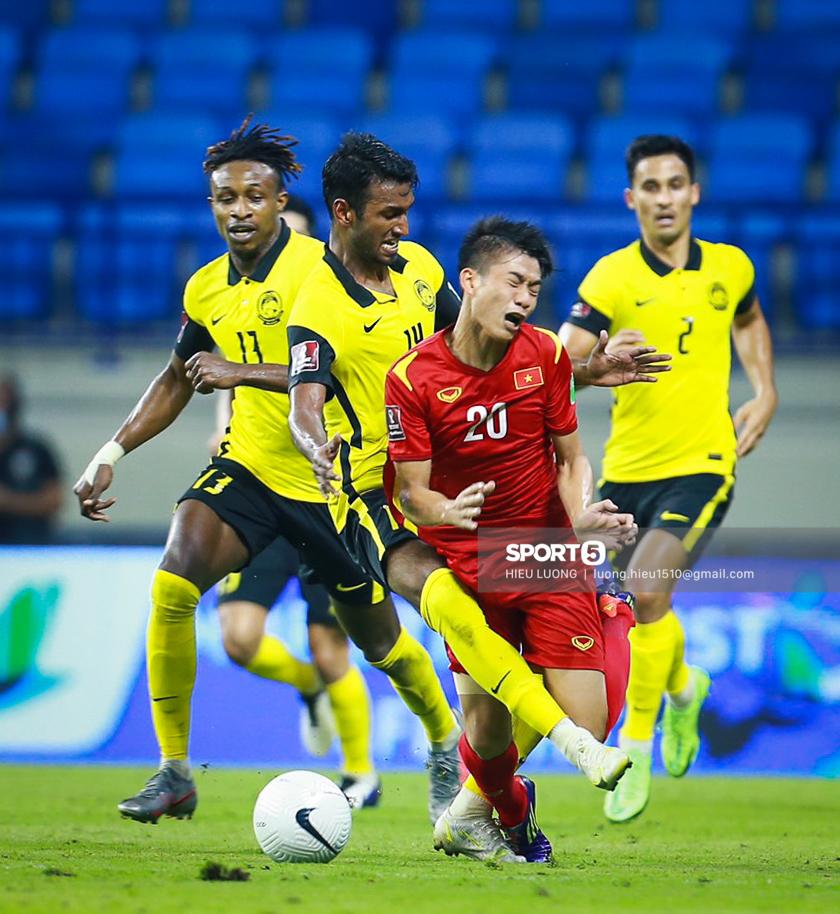 Chùm ảnh tuyển Việt Nam hân hoan với niềm vui chiến thắng Malaysia - ảnh 11