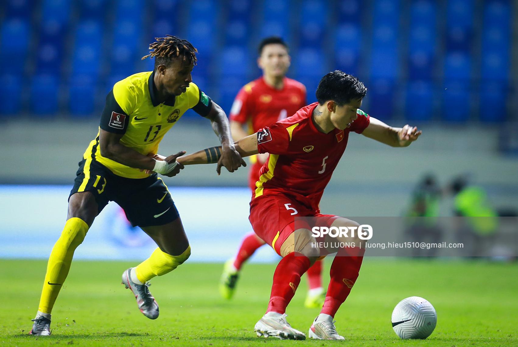 Chùm ảnh tuyển Việt Nam hân hoan với niềm vui chiến thắng Malaysia - ảnh 14
