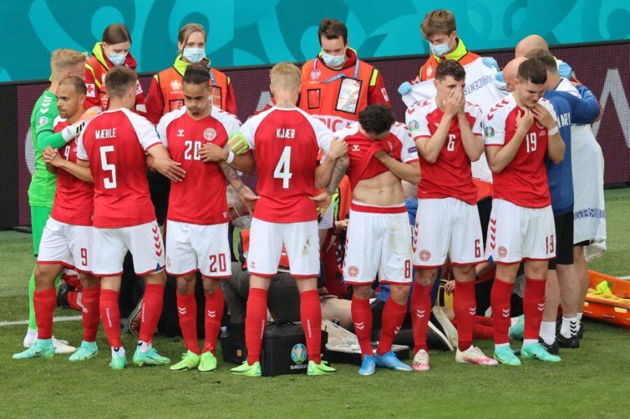 Sốc: Ngôi sao tuyển Đan Mạch đột quỵ ngay trên sân đấu Euro, cả khán đài chết lặng, chìm trong nước mắt - Ảnh 3.