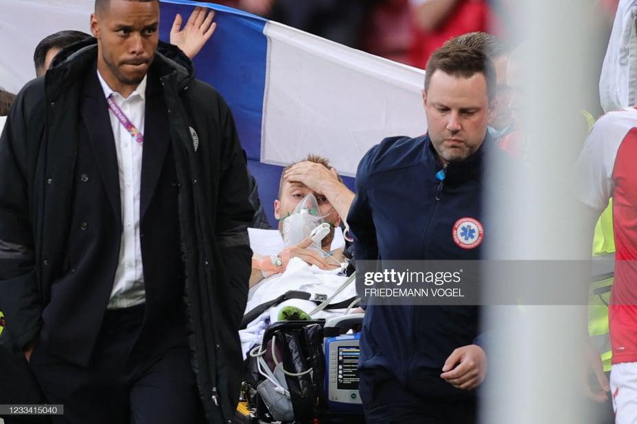 Sốc: Ngôi sao tuyển Đan Mạch đột quỵ ngay trên sân đấu Euro, cả khán đài chết lặng, chìm trong nước mắt - Ảnh 5.