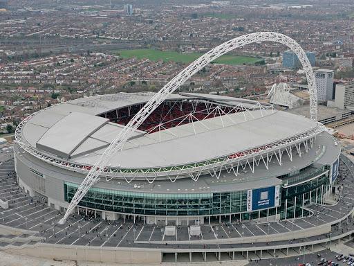 Chiều lòng UEFA, sân Wembley chuẩn bị đón 65.000 người hâm mộ tới xem bán kết và chung kết Euro - Ảnh 2.