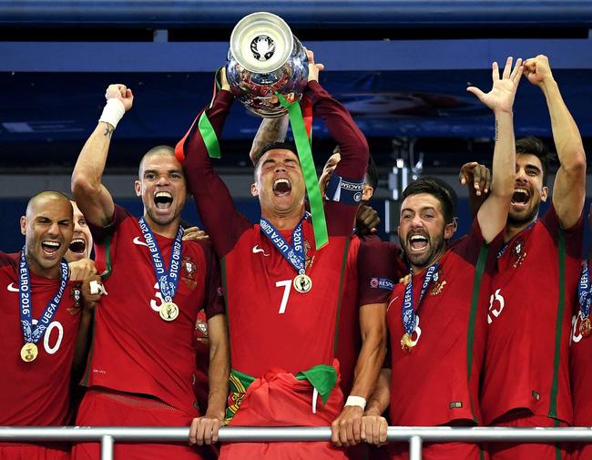 Bruno Fernandes tiết lộ nguồn động lực đặc biệt từ người đàn anh Ronaldo - Ảnh 3.
