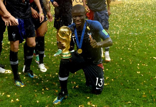 Huyền thoại Pháp đánh giá Kante cao hơn Mbappe ở đội tuyển quốc gia - Ảnh 3.