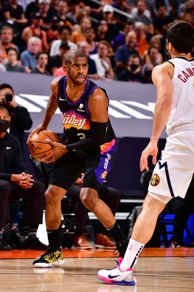 Đẳng cấp Chris Paul lên tiếng đưa Phoenix Suns vươn lên trước Denver Nuggets - Ảnh 2.