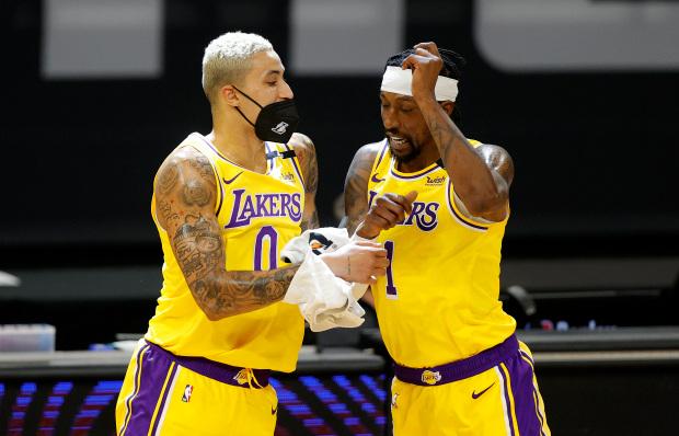 Damian Lillard cập bến Los Angeles Lakers: Chuyện không tưởng ở thị trường chuyển nhượng NBA - Ảnh 3.