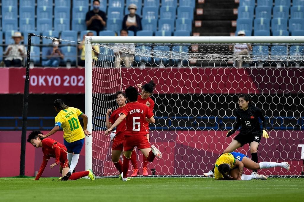 Hủy diệt tuyển Trung Quốc 5 bàn không gỡ, 2 nữ huyền thoại bóng đá Brazil lập kỷ lục Olympic - ảnh 2