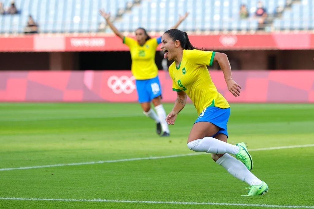 Hủy diệt tuyển Trung Quốc 5 bàn không gỡ, 2 nữ huyền thoại bóng đá Brazil lập kỷ lục Olympic - ảnh 8