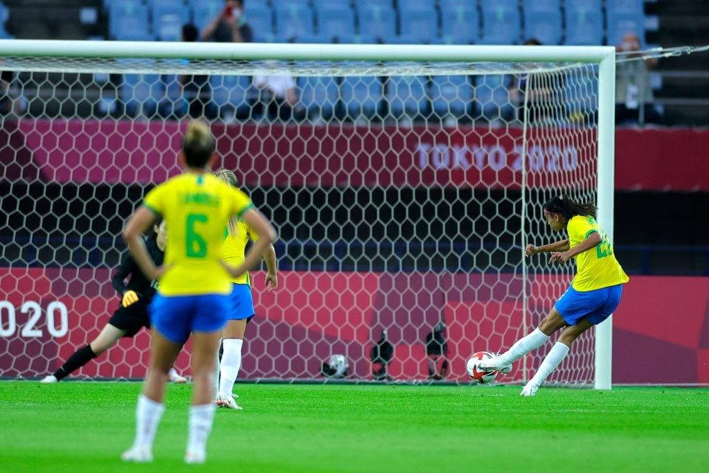 Hủy diệt tuyển Trung Quốc 5 bàn không gỡ, 2 nữ huyền thoại bóng đá Brazil lập kỷ lục Olympic - ảnh 9