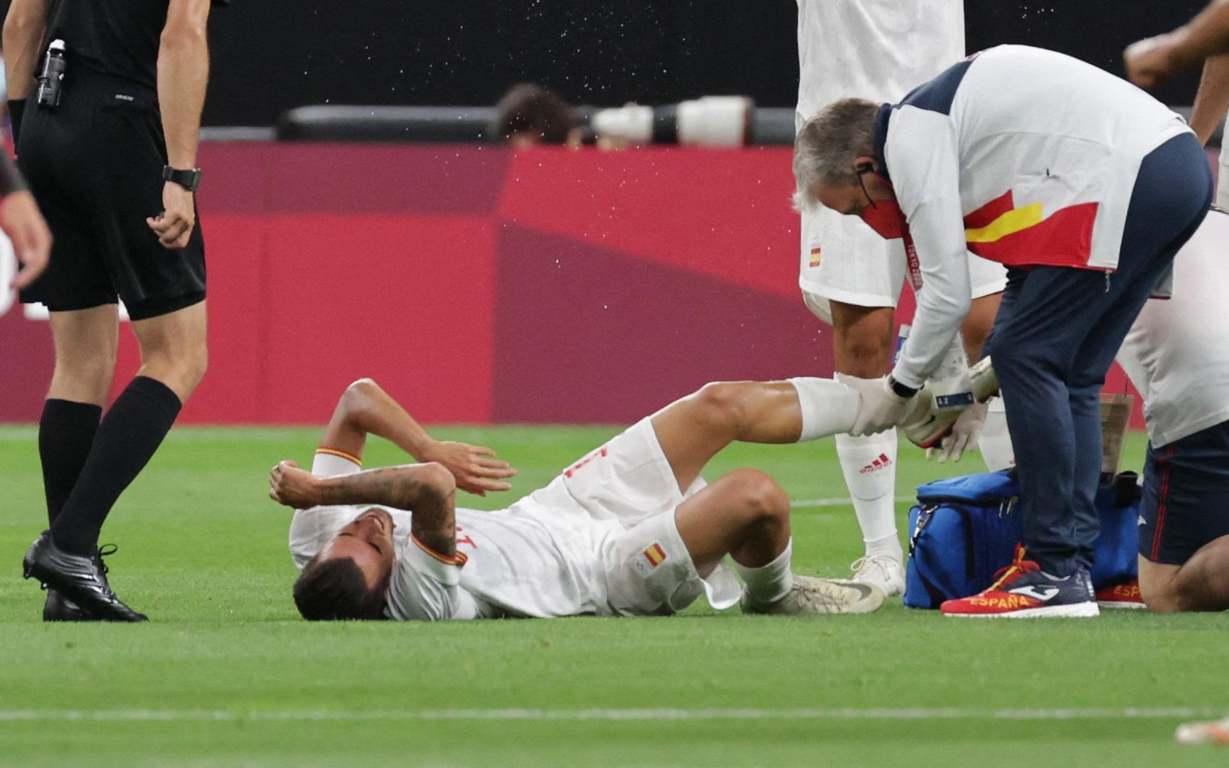 2 trụ cột của Olympic Tây Ban Nha phải nghỉ thi đấu hết vòng bảng
