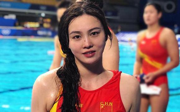 """5 người đẹp đốt cháy Olympic Tokyo: VĐV điền kinh nóng bỏng, tan chảy với """"mỹ nhân ngư"""" Trung Quốc"""