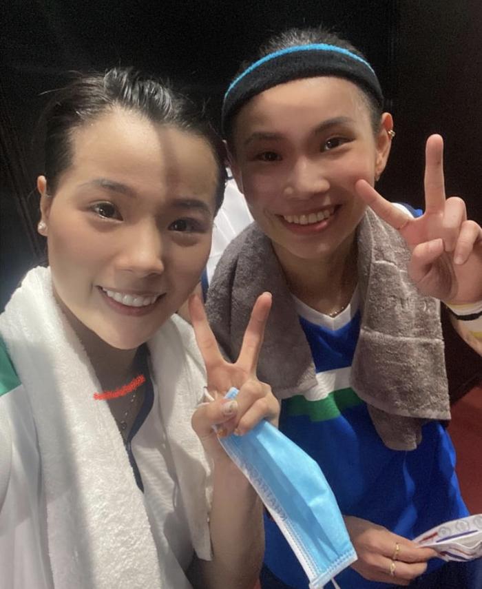 Hotgirl cầu lông Nguyễn Thuỳ Linh tặng quà lưu niệm cho tay vợt số 1 thế giới ở Olympic Tokyo 2020 - Ảnh 3.